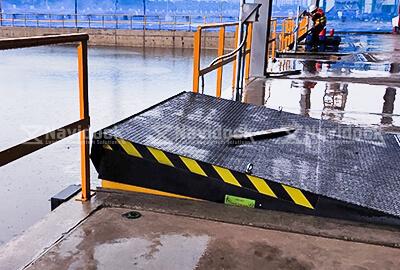 Dock-leveler-co-khi-05