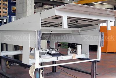 Dock-leveler-lip-truot-03