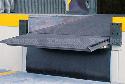 Dock-leveler-lip-truot-05