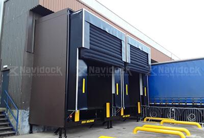 Inflatabl-Dock-Shelter-03