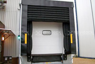 Inflatabl-Dock-Shelter-05