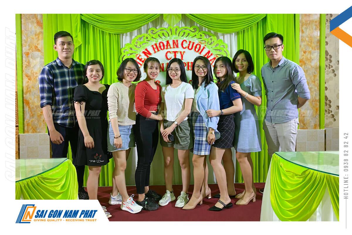 sai-gon-nam-phat-to-chuc-tiec-lien-hoan-cuoi-nam-2020